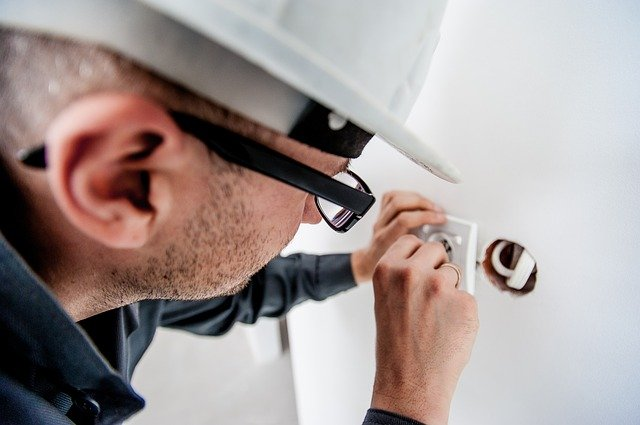Our expert electrical engineers are fully qualified and licenced to install any type of electrical wiring for your home or business need.